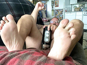 Feet on a chub bear and ass-gasm cumshot