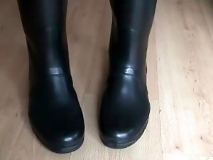 Hunter Boots Fetish - Have a Fetish For Rubber Hunter Boots?