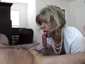 Beautiful CD Lady Sucks and Gets Banged